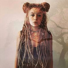 Love these dreads! Hippie Dreads, Dreads Girl, Hippie Hair, Dread Braids, Dread Bun, Box Braids, Dreads Styles, Hair Styles, Natural Dreads