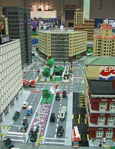 Lego City Mocs – How to build it Minecraft City, Lego City, Lego Ville, City Layout, Lego Sculptures, Lego Boards, Amazing Lego Creations, Lego Trains, Lego Modular