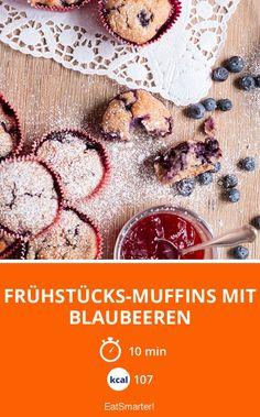 Frühstücks-Muffins mit Blaubeeren - smarter - Kalorien: 107 kcal - Zeit: 10 Min. | eatsmarter.de