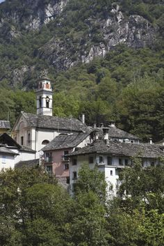 View of historic village Prato Sornico in Lavizzara Valley, Ticino