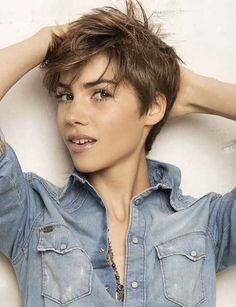 20.Messy Pixie Hairstyles