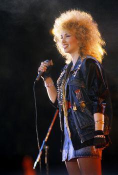 Ирина Аллегрова (фото 1988 год) - одна из законодательниц мод конца 80-х, начала 90-х. 90s Fashion Grunge, 90s Grunge, 80s Fashion, Disco 80, 80s Party, Soviet Union, Russia, Retro, Clothes