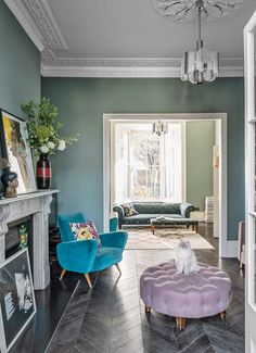 Walls painted in Card Room Green estate emulsion by Farrow & Ball Living Room Green, Living Room Interior, Home And Living, Living Room Decor, Small Living, Modern Living, Green Dining Room, Cozy Living, Glamour Living Room