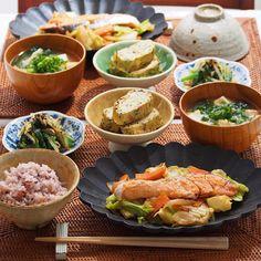 2016/1/19 火 #晩ごはん ・ ✳︎鮭のちゃんちゃん焼き ✳︎ひじき煮入り卵焼き ✳︎ほうれん草ともやしのナムル ✳︎豆腐のお味噌汁 ・ 今日はごはんが進むおかずになりました☺️ しかし、外さむっ!! 雪そろそろ降るのかな☃️ ・ コメントお返しお休みします いつもありがとうございます ・
