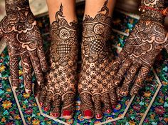 henna-ed hands and bonus feet make a beautiful portrait. indian wedding, perhaps? #excessisbest #hennatattoo #intricaciesofdesign