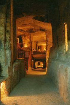 Labyrinthe de 750 mètres de galeries aménagées.