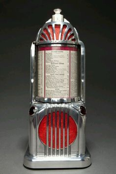 Seldom seen Art Deco Shyvers Multiphone Jukebox selector in cast aluminum which has a strong resemblance to the Empire State Building. The 1935 Shyvers Multiphone was invented by Ken Shyvers, who is also credited for inventing the pinball machine. Radios, Art Deco Stil, Art Deco Era, Art Nouveau, Juke Box, Art Et Design, Motif Art Deco, Estilo Art Deco, Art Deco Furniture
