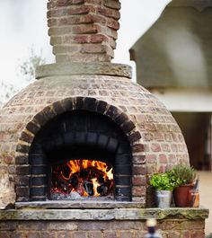 Wood Fired Ovens :: What is the housing for the oven?