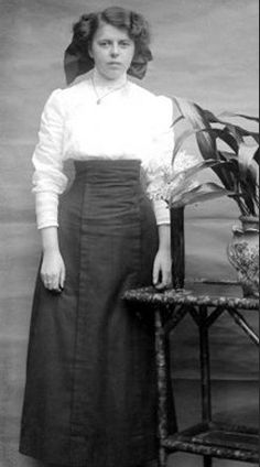 The main feature of the 1900-1919 Corselet Skirt was a high waist worn just beneath the bust with no indication of a waistband or belt. With minor variations the blouse and skirt dominated young women's fashion before and during the Great War. Some Corselet Skirts had a thick seam/opening running from waist to hem.This seam was worn at the center or to one side. Skirt length was usually worn somewhere between mid-ankle and mid-calf.
