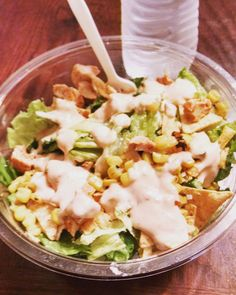 Mmmhhm fiesta chicken salad with jalapeño Greek dressing. Yummy! #fitness #fitfam #fitfriends #fitchicks #fitspo #lowcarb #lowcarblifestyle #healthychoices #eatclean #salad #weightlossjourney #weightloss #fatloss #fattofit #myjourney by kaitypatt