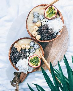 Tropical Smoothie Bowls with maca powder passion fruit Coconut flakes Homemade…