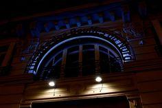 Blackened Cities | thebeachbumblv.com Rainy Weather, Art Walk, Hanging Out, Cities, Paris, Night, Montmartre Paris, Paris France, City