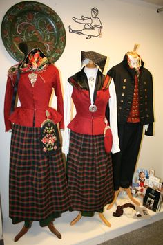 Bilderesultat for nord østerdalsbunad Folk Costume, Costumes, Traditional Outfits, Vintage Photos, Norway, Bridal Dresses, All Things, Scandinavian, Culture