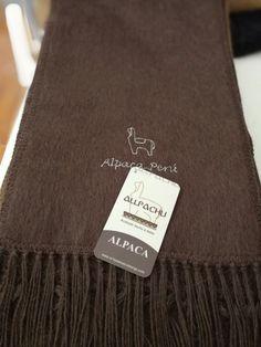 Chalina Peinada color 302,  Medidas 180x22 cms. 30 % Alpaca Michell, bordado Alpaca Perú.