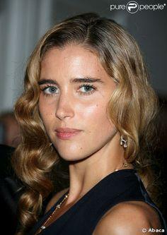 Vahina Giocante, née le 30 juin 1981 à Pithiviers dans le Loiret, est une actrice française de cinéma