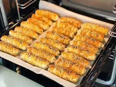 2 Yufkadan 12 Kişilik Börek Tarifi – Pratik yemekler – Las recetas más prácticas y fáciles Borek Recipe, Rice Recipes, Cooking Recipes, How To Make Pastry, Puff Pastry Recipes, Savory Pastry, Choux Pastry, Arabic Food, Turkish Recipes