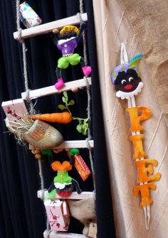 leuke decoratie ladder voor sinterklaas 4 Kids, Diy For Kids, Food Crafts, Diy And Crafts, Saint Nicolas, Autumn Crafts, Too Cool For School, Reno, Craft Activities