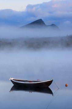 Lofoten, Norway,  by jjuuhhaa.deviantart.com