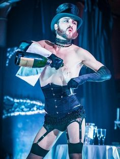 """cabaret circus style costume for daring men This male burlesque influence - great for male ensemble - very """"Rocky Horror"""" Burlesque Show, Burlesque Costumes, Cosplay Costumes, Rocky Horror Show, Rocky Horror Picture, Glamour, Androgyny, Rupaul, Showgirls"""