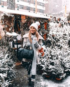 Image about girl in winter wonderland by c on We Heart It Winter Snow, Winter Time, Winter Christmas, Christmas Time, Winter Holidays, Sweet Pictures, Winter Outfits, Fashion Online Shop, Christmas Aesthetic