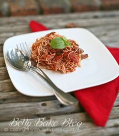 VEGETARIAN SPAGHETTI BOLOGNESE / MUSHROOM STYLE MEATLESS BOLOGNAISE :::{Betty Bake ... Real Food made with Natural Ingredients}::::