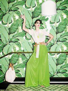 The Beverly Hills Hotel - Epic Banana Leaf Wallpaper