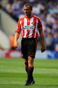 Sunderland set for Lee Cattermole contact talks
