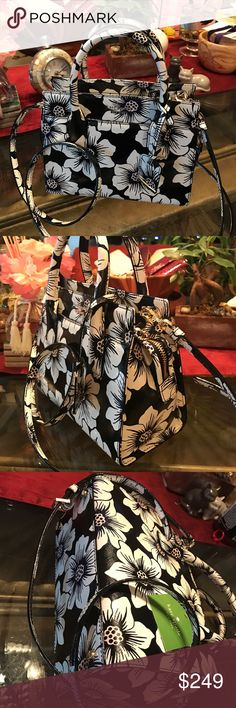 Kate Spade mini Candace Cameron Street Floral $278 New Kate spade black multi colored mini Candace Cameron Street Black Floral purse $278 WALLET NOT INCLUDED kate spade Bags Shoulder Bags