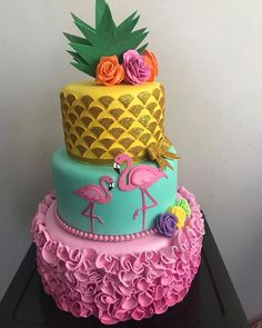 More decorating ideas on albums: Flamingo Party 1 Flamingo Party love this exotic cake!I love how creative this cake is, I also like like each layer of the cake is different Flamingo Cake, Flamingo Birthday, Luau Cakes, Party Cakes, Bolos Pool Party, Bolo Fack, Luau Theme Party, Party Themes, Cool Birthday Cakes