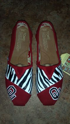 Limited time SALE One pair of hand painted TOMS Classic shoes with OU Sooners and zebra design. on Etsy, $75.00