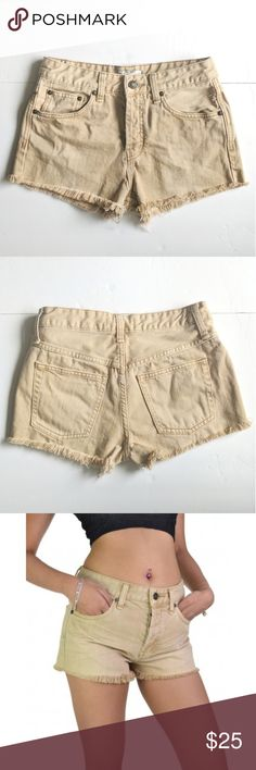 Free People Uptown Denim Cut Off Short Khaki Crafted from supersoft cotton, these denim shorts are finished with raw-edge hems for an authentically lived-in look. Button fly closure - Five-pocket style - 100% cotton Free People Shorts Jean Shorts