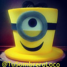 Al mal tiempo buena cara #minions #sombreros #infantiles #fiestas #horaloca Crazy Hat Day, Crazy Hats, Foam Crafts, Diy And Crafts, Crafts For Kids, Book Centerpieces, Funky Hats, Rolled Paper Art, Silly Hats