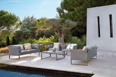 Sifas Komfy is a sleek, modern and modular outdoor collection perfect for residential and hospitality settings. Outdoor Furniture Sets, Outdoor Decor, Outdoor Ideas, Lounge Areas, Interior Exterior, Natural Beauty, Outdoor Living, Sofa, Patio