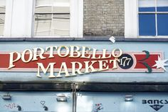 Is there anywhere in London that's more photogenic than Portobello Road Market? The antiques, the quaint candy coloured houses, the quirky cafés. Vintage London, Antique Market, Vintage Market, Portobello, London In 2 Days, Camden Town, London England, England Uk, Westminster Abbey