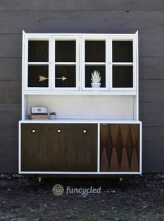 Mid Century Modern Hutch ReDesign – Tuesday's Treasures – FunCycled Home Remodeling Diy, Home Renovation, Home Decor Kitchen, Diy Home Decor, Home Repair Services, Hutch Makeover, Mid Century Furniture, Aluminium, Diy Furniture