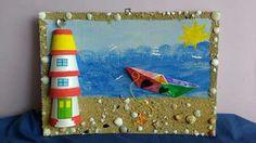 Κάδρο με άμμο, κοχύλια και φάρο από πλαστικά ποτήρια