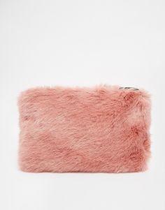 Розовый клатч из искусственного меха Whistles