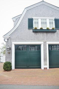 ab3cc770764939a7e612b557599f8093--marthas-vineyard.jpg & How to Choose a Garage Door | Pinterest | Garage doors Garden gate ...