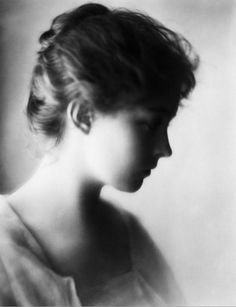 """Lillian Gish! A """"child star"""". At times directing parts of D.W.Griffith movies when only a teenager. Managed her money and life well. An interesting photo of, different of the usual ones."""