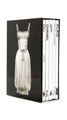 Books with Style Fashion Memoires Book Set. If I could have a set of these for all of history I would be so happy Top Fashion, Fashion Books, Fashion Design, Style Fashion, Fashion Decor, Fashion Black, Aesthetic Fashion, Fasion, Luxury Fashion