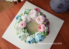 buttercream flower cakes for loving couple #flower cake#buttercream cakes