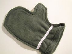 Sew your child a pair of fleece mittens! I've been looking for something like this!