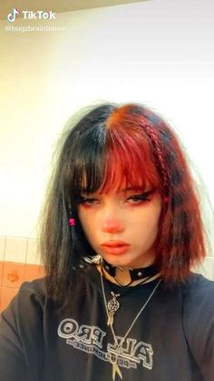 90s Grunge Hair, Short Grunge Hair, Short Dyed Hair, Short Hair With Bangs, Hairstyles With Bangs, Cool Hairstyles, Short Hair Styles, Goth Hair, Hair Streaks