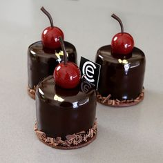 Small Desserts, Fancy Desserts, Delicious Desserts, Yummy Food, Cupcakes, Cupcake Cakes, Pastry Recipes, Dessert Recipes, Small Cake