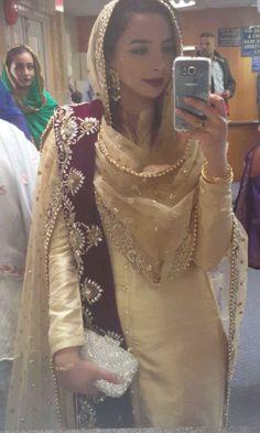 Pinterest: @pawank90      Original Source: @babangillcouture (Instagram) Indian Suits Punjabi, Punjabi Dress, Indian Attire, Pakistani Dresses, Indian Dresses, Indian Wear, Indian Outfits, Punjabi Fashion, Bollywood Fashion