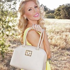 #Gretchen Rossi wants to spruce up your fashion routine with #handbags that are made to be seen. #zulilyfinds