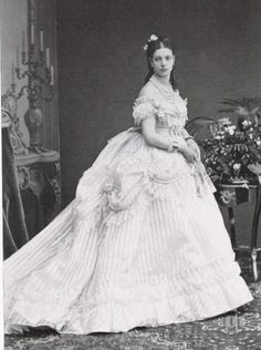 bulletproofjewels:  Maria Feodorovna, pregnant with her first son Nicholas in 1868.