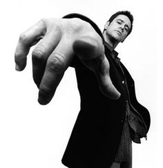 Platon- Jim Carrey / Black and White Photography Action Pose Reference, Pose Reference Photo, Action Poses, Hand Reference, Jim Carrey, Black And White Portraits, Black And White Photography, Kreative Portraits, Human Poses
