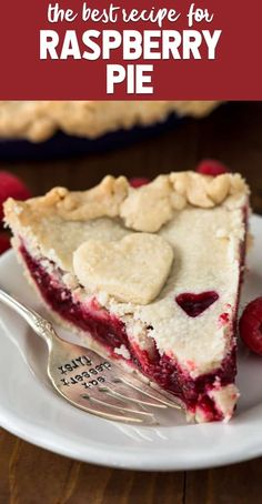 Pie Recipes 501095896036652957 - Raspberry Pie is an easy berry pie recipe! Make this pie with a double crust, lattice, or even a crumble topping! It's such an easy pie recipe. Easy Pie Recipes, Baking Recipes, Köstliche Desserts, Delicious Desserts, Raspberry Recipes, Gateaux Cake, Fruit Pie, Crumble Topping, Pie Dessert