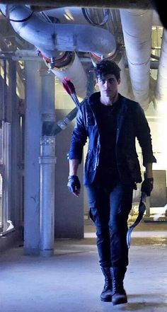Alec Lightwood. It's too bad this show is so shitty because this guy is sexy as hell.